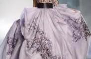 разного цвета платья