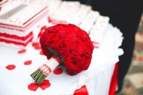 букет красные розы